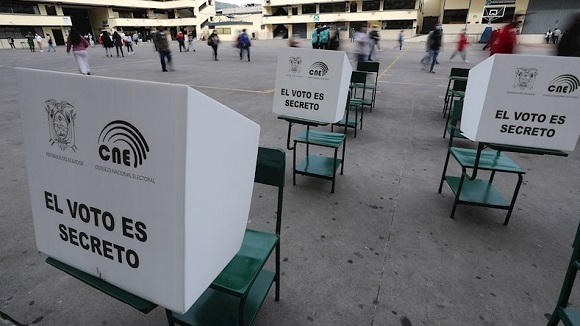 Guillermo Laso ogłasza się nowym prezydentem Ekwadoru
