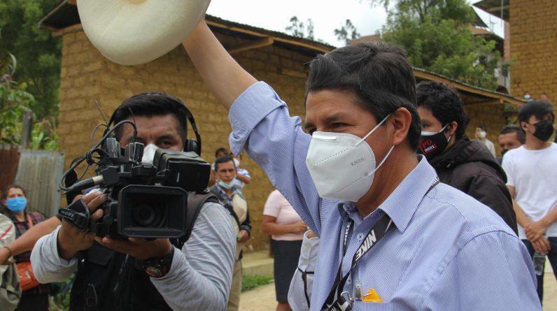 Lewicowy Castillo prowadzi w wyborach prezydenckich w Peru przeciwko prawicowemu Fujimoriemu