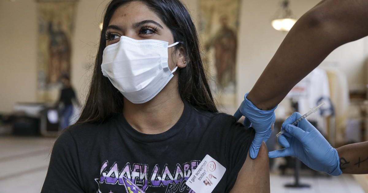 Los Angeles otwiera szczepionki COVID-19 dla wszystkich, którzy ukończyli 16 lat