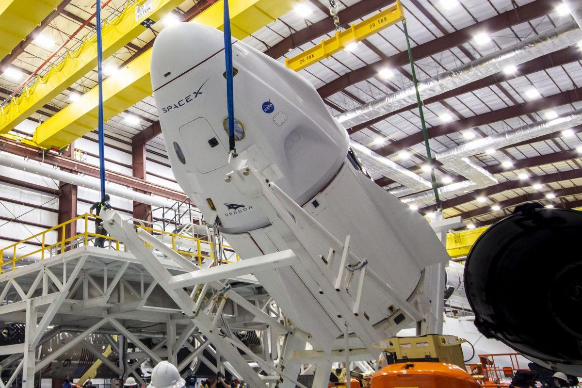 """NASA, SpaceX, """"wyruszyli"""", aby wystrzelić astronautów Załogi 2 na stację kosmiczną w Dzień Ziemi"""
