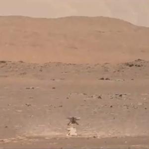 Zobacz kreatywność helikoptera marsjańskiego NASA unoszącego kurz podczas swojego dziewiczego lotu (wideo)