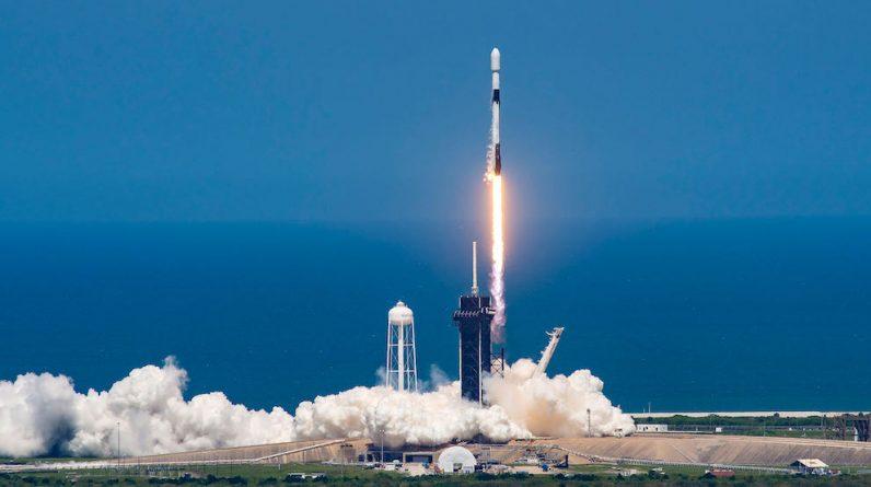 Wystrzelenie Starlink 100 oznacza misję, odkąd pocisk Falcon zawiódł w locie - Lot kosmiczny teraz