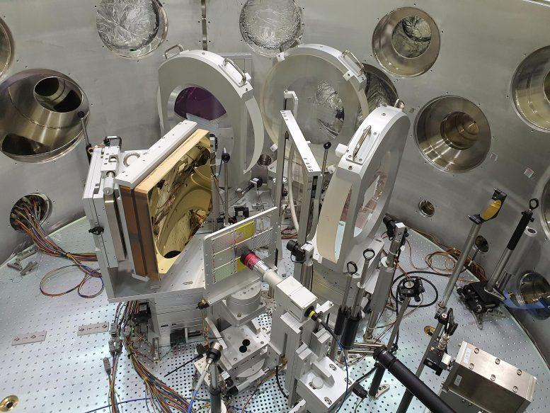Komora interakcji między laserem a substancją