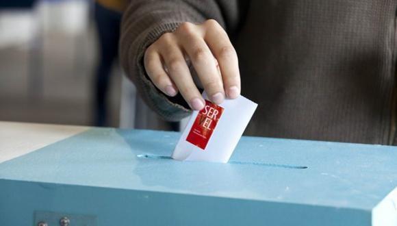 Powolny postęp w pierwszym dniu największych wyborów w Chile