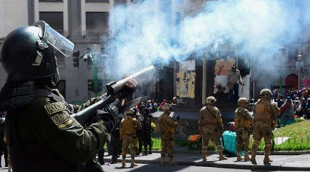 Boliwia: Sprawiedliwość cytuje byłych urzędników w sprawie gazu łzawiącego
