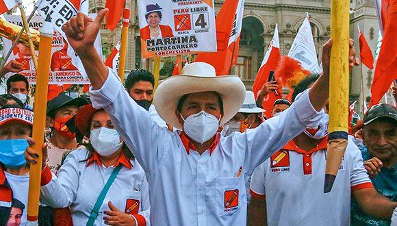W niedzielę plebiscyt prezydencki w Peru przy napiętej i spolaryzowanej pogodzie