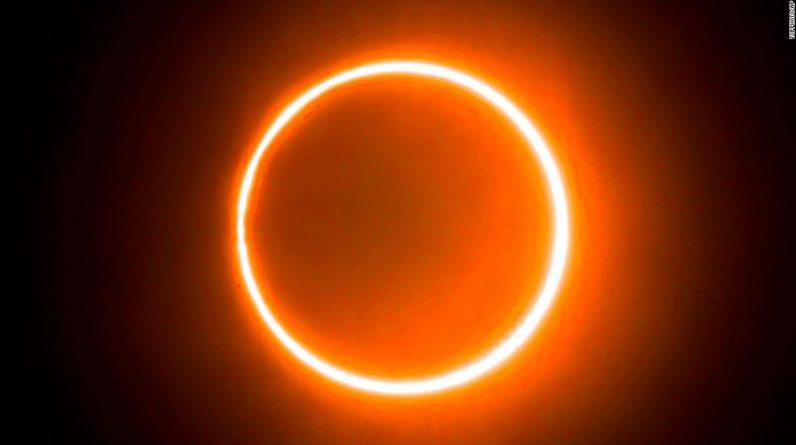 """Solar Eclipse 2021: Jak i kiedy oglądać czerwcowy """"Pierścień ognia"""""""