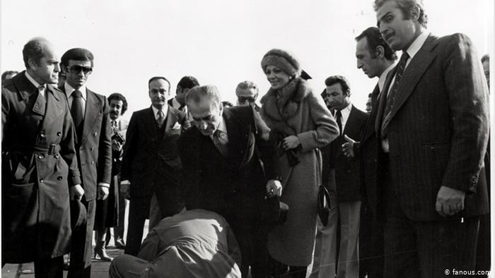 Szach Reza Pahlavi opuszcza Iran 16 stycznia 1979 r. (Zdjęcie: fanous.com)