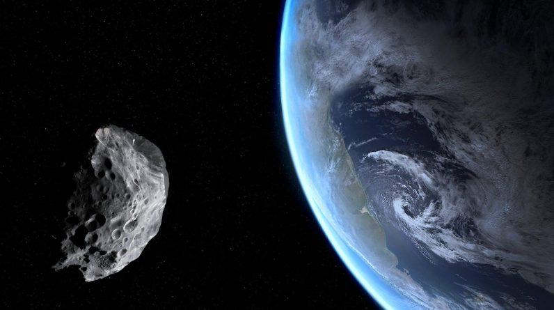 """Czy powinieneś się martwić """"potencjalnie niebezpieczną"""" asteroidą przelatującą dziś przez Ziemię?"""