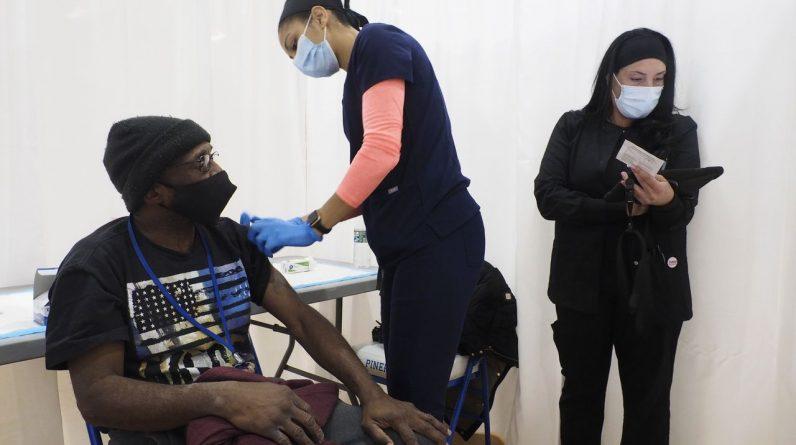 New Jersey zgłosiło 7 zgonów COVID i 247 przypadków.  Ponad 4,3 miliona mieszkańców zostało w pełni zaszczepionych.