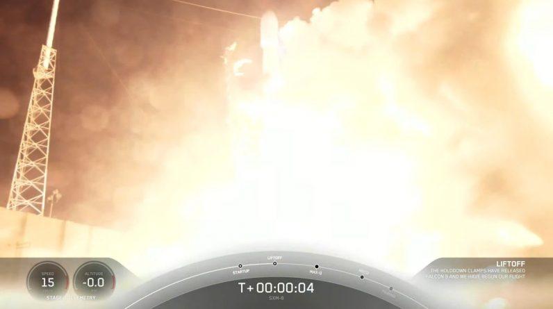 Rakieta SpaceX wystrzeliwuje cyfrowy satelita radiowy Sirius XM, prowadząc do nocnego lądowania na morzu