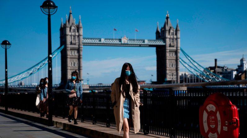Wielka Brytania doświadcza szczytowych dziennych infekcji w ciągu sześciu miesięcy, z 51 870 zarażonymi