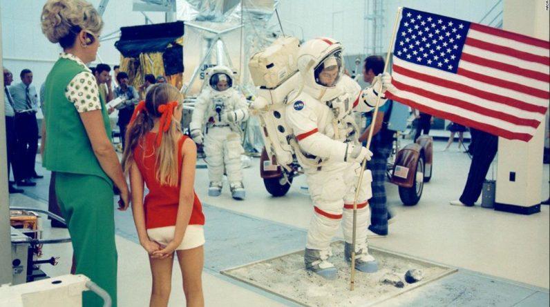 Życie na ziemi, podczas gdy twój ojciec chodzi po księżycu