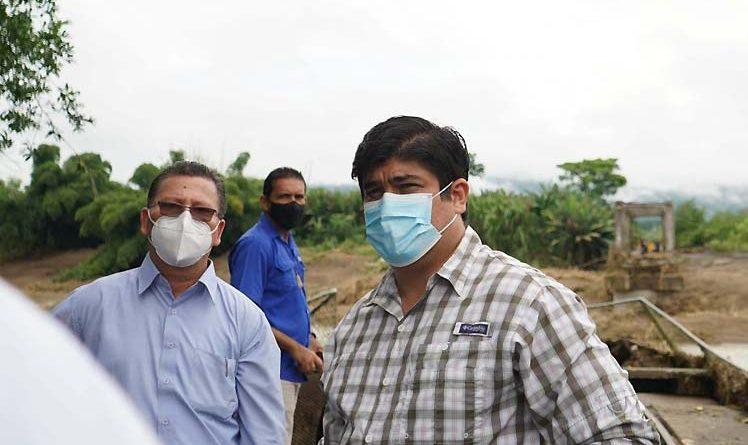 Prezydent Kostaryki przeprowadza inspekcję obszaru dotkniętego burzą (+ zdjęcia) - Prensa Latina