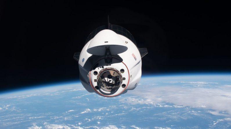 Astronauci polecieli swoim statkiem kosmicznym SpaceX Dragon na orbitę przed startem Starlinera Boeinga