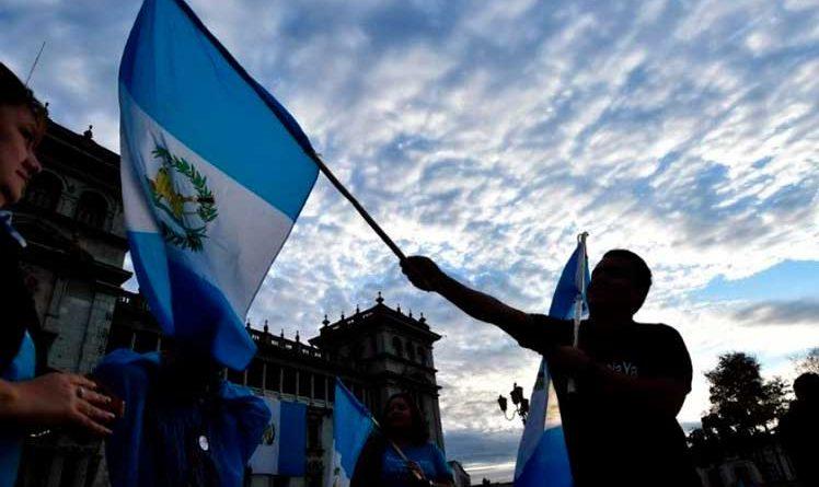 Crece apoyo a paro para exigir renuncia de presidente guatemalteco