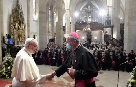 """EUROPA/SŁOWACJA – Papież Franciszek w Bratysławie: """"Centrum 'Kościoła' nie jest takie samo"""""""