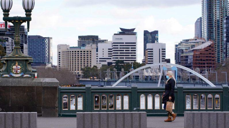 """Australia dąży do """"życia z wirusem"""", a nie do jego wyeliminowania"""