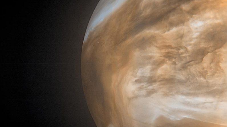 Venus Nightside Glow