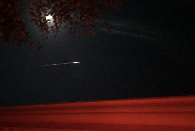 """zdjęcie zrobione przez """"Musiało"""" z Traverse City, członka American Meteor Society, który opisał obserwację jako """"Wydarzenie, które zmienia świat."""""""