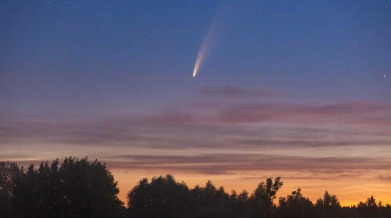 Łał!  Meteor wpada do domu w Kanadzie, ledwo tęskni za kobietą w środku