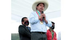 Prezydent Peru krytykuje kopiowanie jego możliwej dymisji - Escambrai