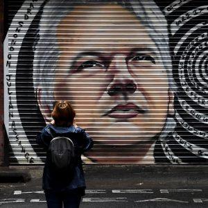 Sąd w Londynie rozważa apelację USA w sprawie ekstradycji Assange'a    międzynarodowy