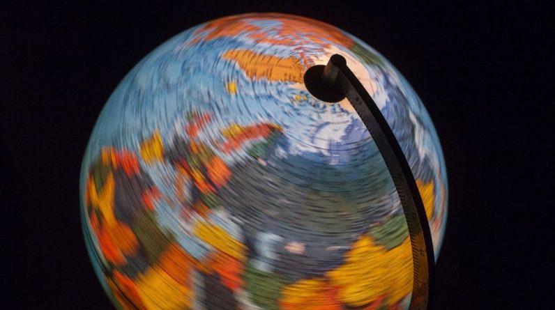 """Ziemia przewróciła się na bok (i wróciła z powrotem) w """"kosmicznym jojo"""" 84 miliony lat temu"""